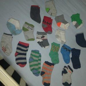 lot of 18 baby boy socks